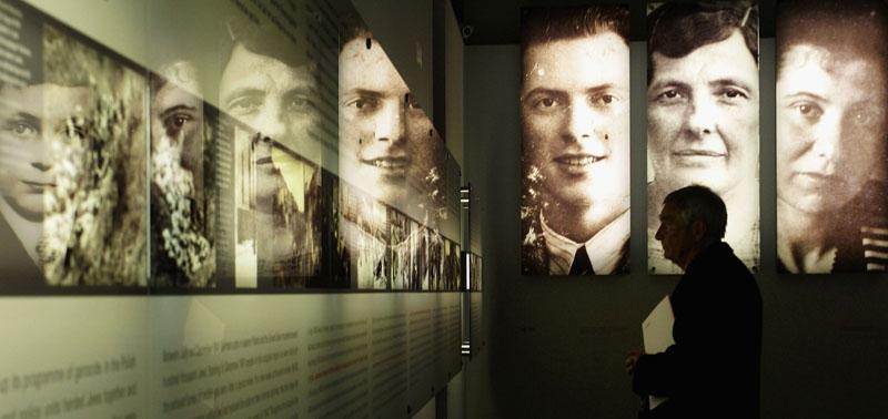 Eröffnung des zentralen Holocaust-Mahnmals der Bundesrepublik Deutschland in Berlin