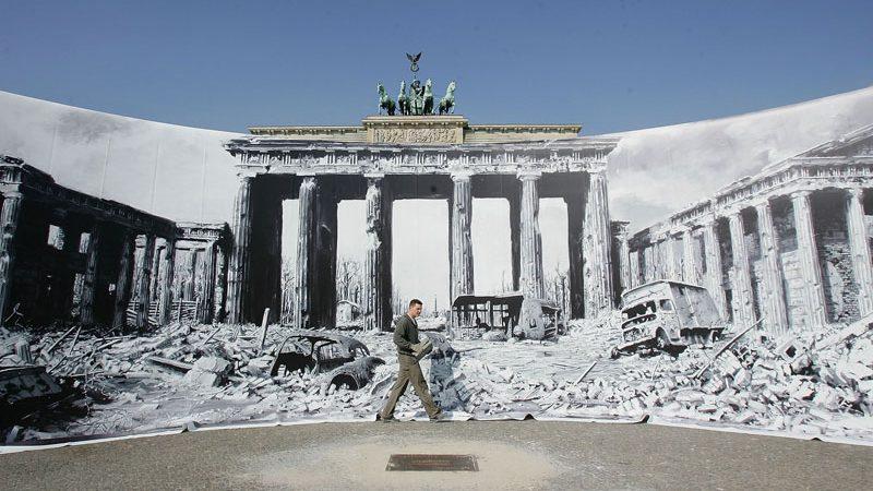 Brandenburger Tor Vor 60 Jahren Und Heute