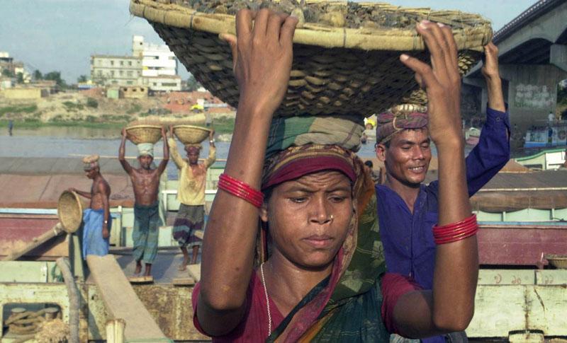 Eine Baustelle in Dhaka, Bangladesch