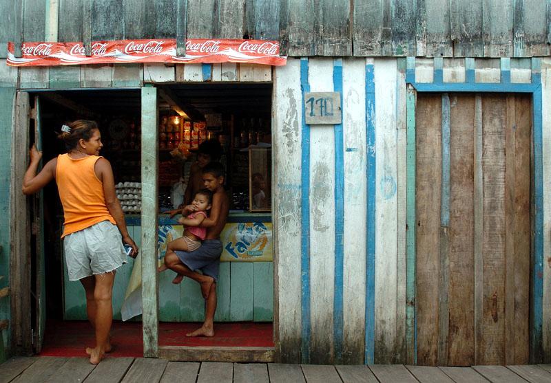 """Ein Slum namens """"Gloria"""" in der brasilianischen Stadt Manaus"""