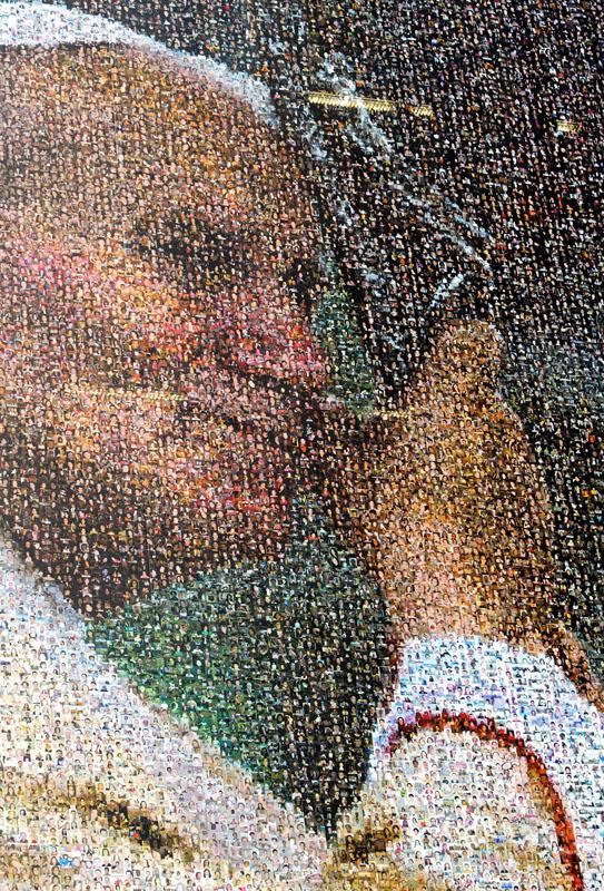 Ein Riesen-Mosaik zeigt den verstorbenen Papst Johannes Paul II. In Köln