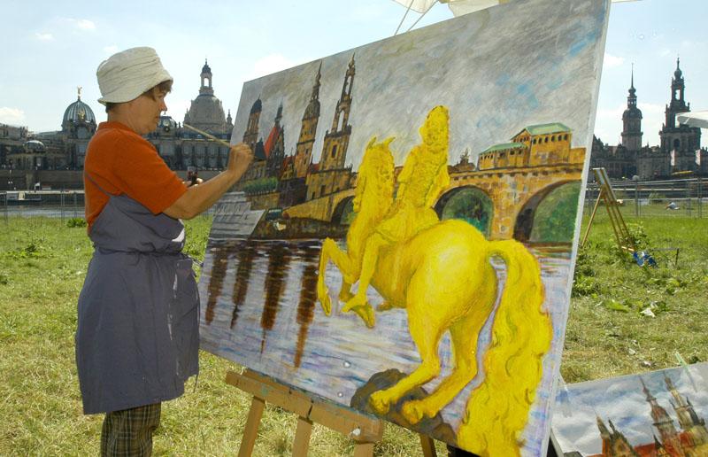 Kostenloses Sommeratelier: Wer will, kann seine Dresdener Ansicht in Acryl auf die Leinwand bringen