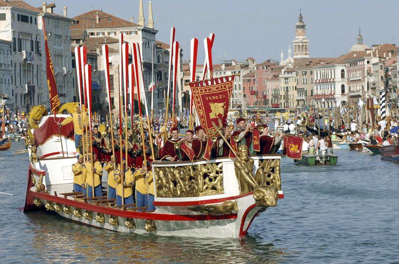 Durch die Kanäle von Venedig