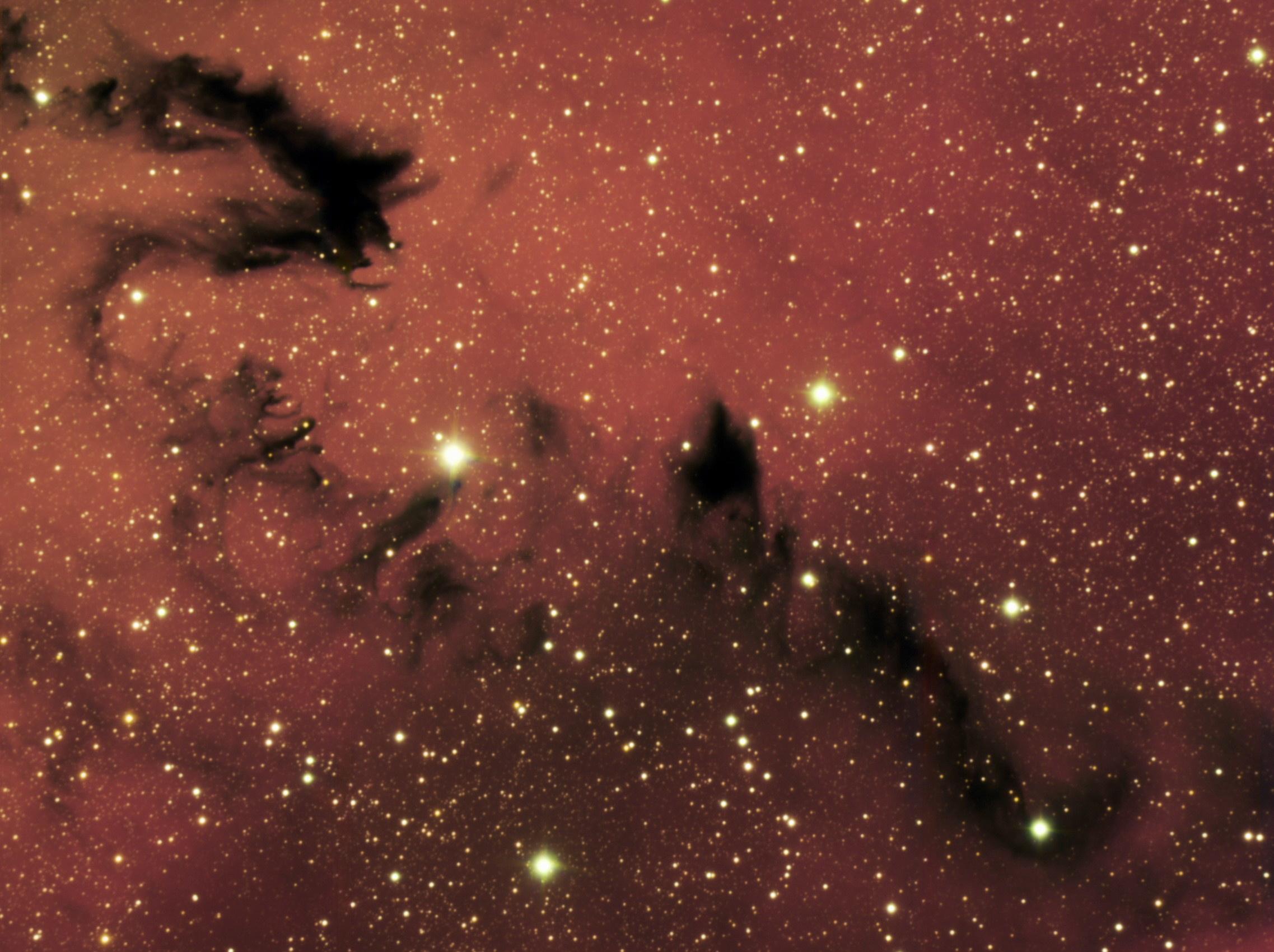 Ein himmlischer Drache erscheint im Zentrum der Milchstraße