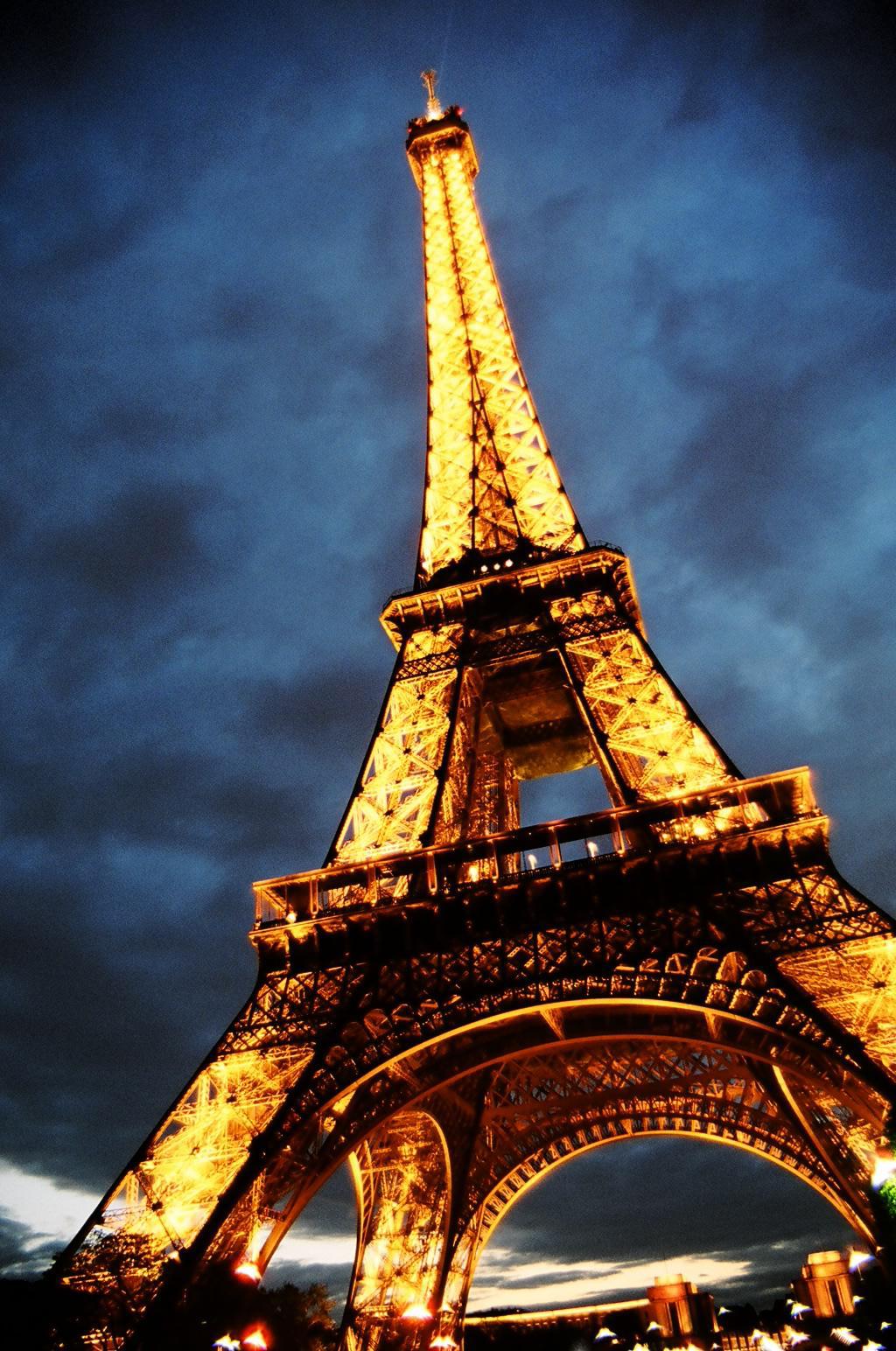 Zum Jahr des Hundes nach Paris