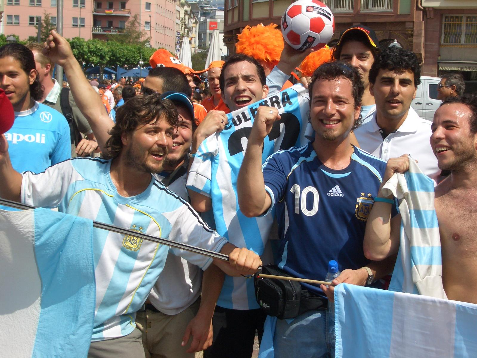 WM-Randerscheinungen: Auf dem Römerberg am Puls des Tages