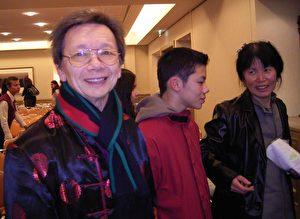 Zum Abschied gab der Vater der Familie Lau einen Song von Frank Sinatra zum Besten (