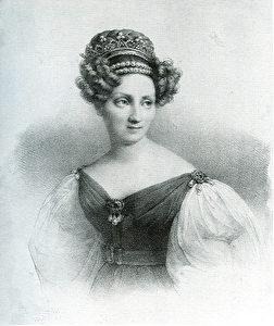 Großherzogin Stephanie mit Diadem.