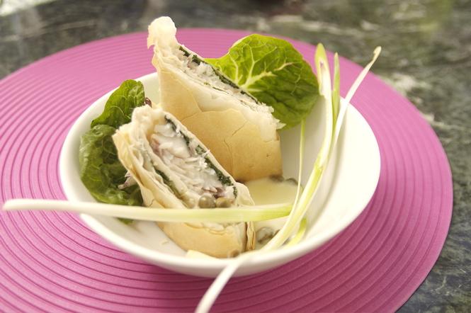 Fisch-Rezept: Seehecht mit Mangold im Strudelteig mit Kapernsoße
