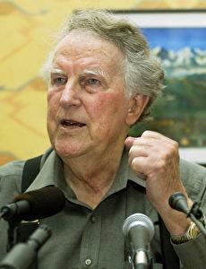 ...der bekannteste Neuseeländer aller Zeiten, Sir Edmund, setzte sich für den Umweltschutz am Mount Everest ein. (