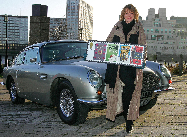 James Bond auf Briefmarken