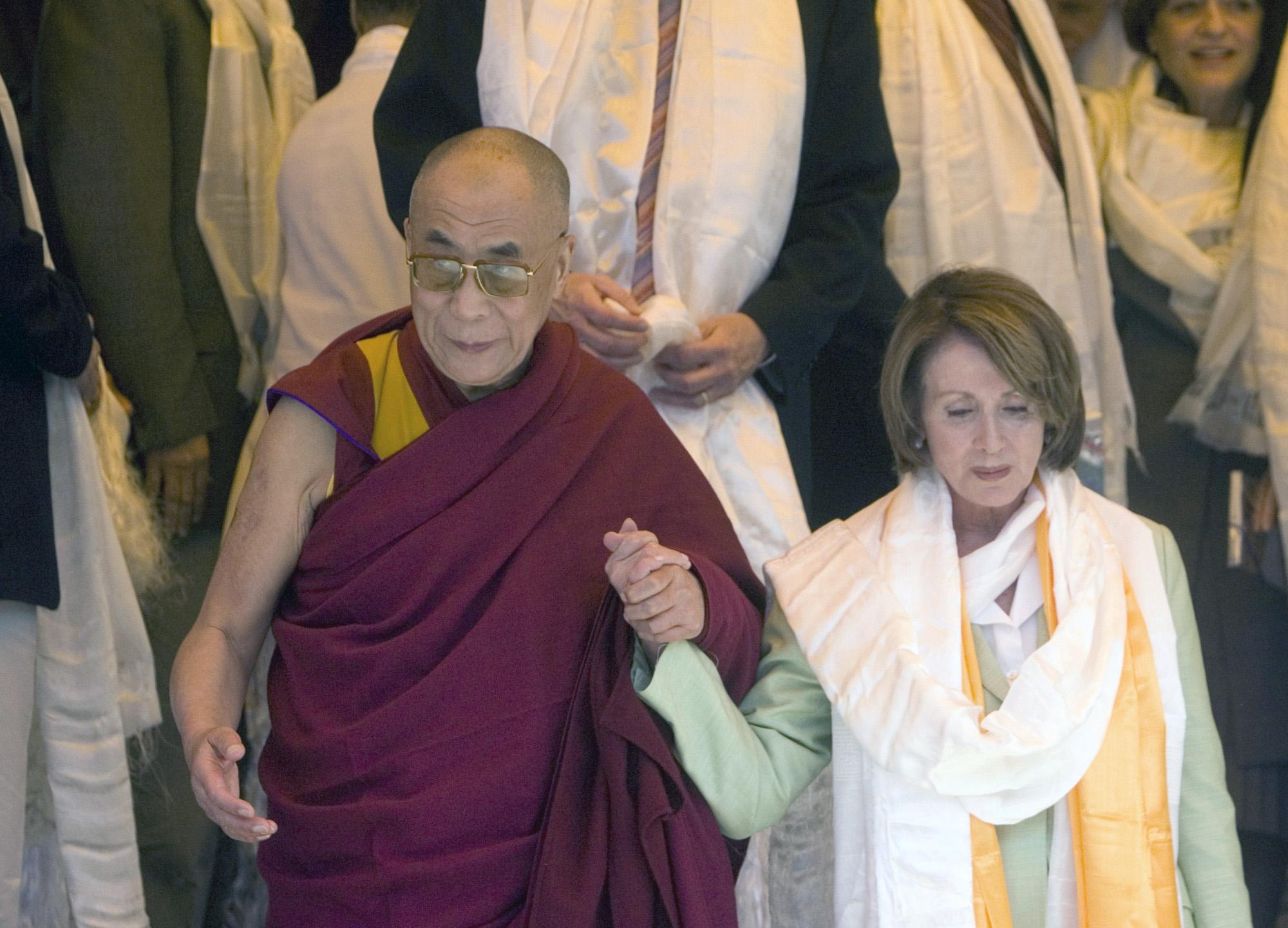 Tränen über Tibet – Der Dalai Lama und sein buddhistischer Pazifismus