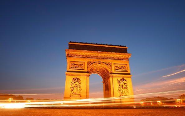 Traum erfüllt: Pariser Triumphbogen ist verhüllt