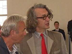 Der Regisseur Wim Wenders hielt die Laudatio. Wenders ist Vorsitzender der Jury des diesjährigen Filmfestivals von Venedig. Er war extra von Venedig angereist, hier im Gespräch über kommende Projekte. (Monika Weiß/ETD)
