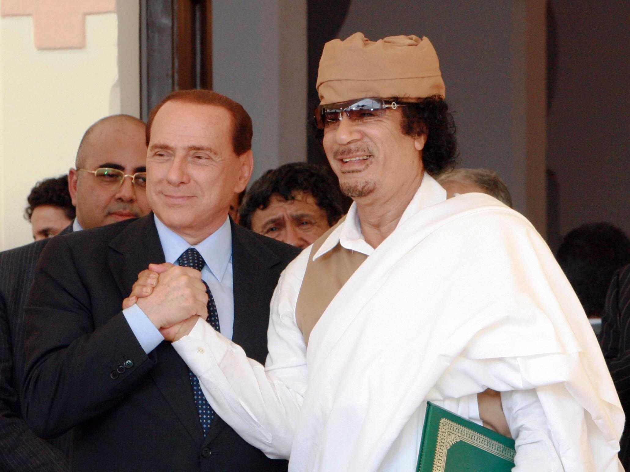 Berlusconi zeigt, wie es geht