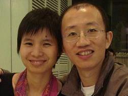 Der Bürgerrechtsaktivist Hu Jia mit seiner Frau, die heute unter strengem Hausarrest steht. (ET)