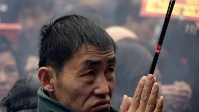 Das chinesische Volk wie betäubt am Neujahrsfest