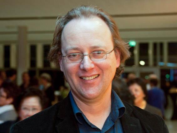 Als Musikproduzent schaut Andrissen besonders auf die Musik und die Choreographie. (Jason Wang/The Epoch Times)