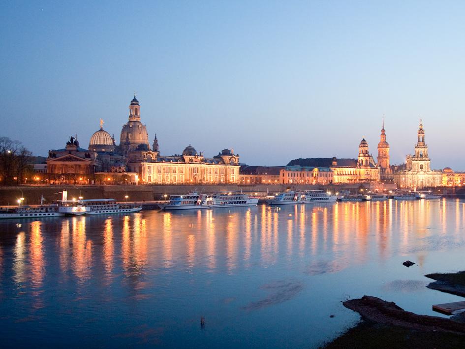 """Himmlische Darstellung in Dresden, der """"Stadt der Engel"""""""