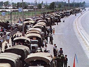 Ein Aufmarsch von Militär, der zum Massaker führte.  (64memo.com)