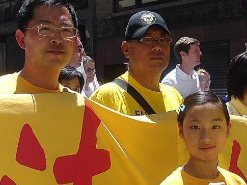Auseinandergerissen in China, vereint in den USA