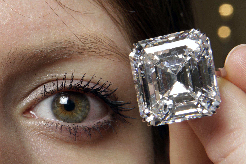 """Von """"Blutdiamanten"""" zu """"Friedensdiamanten"""": Diamant aus Sierra Leone für 6,5 Millionen Dollar versteigert"""