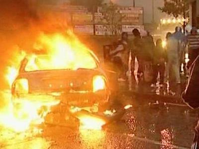 Ireland: Rioting Continues in Belfast