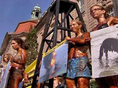 Germany: Greenpeace Stages Oil Drill Protest