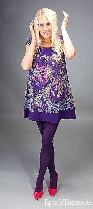 lila kleid ideo strumpfhose charnos opaque purple schuhe stilox foto jason wang the epoch. Black Bedroom Furniture Sets. Home Design Ideas