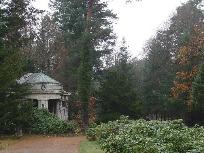 Ein Friedhof, der Weite und Stille atmet – Der Südwestkirchhof Stahnsdorf