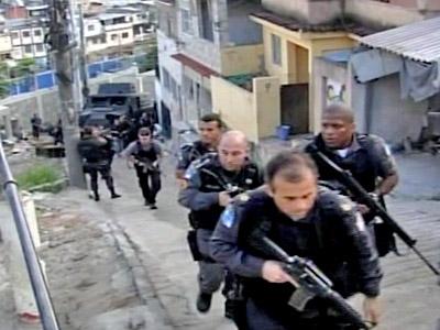 """Kampf um Rio: Polizei übernimmt den """"Deutschen Komplex"""""""