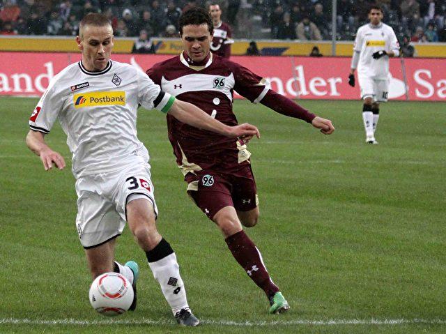 Daems behauptet den Ball gegen Schmiedebach. Foto: Steffen Andritzke/The Epoch Times