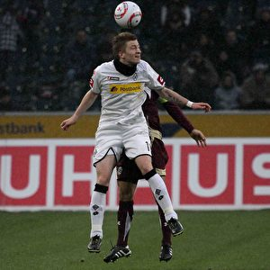 Kopfball Reus. Foto: Steffen Andritzke/The Epoch Times
