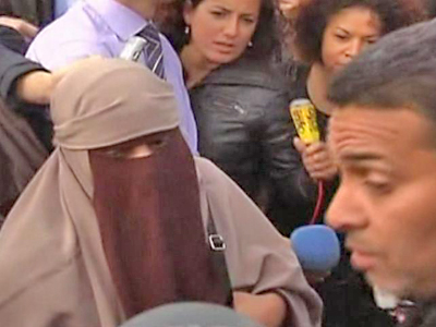 Woman Tests Face Veil Ban in France
