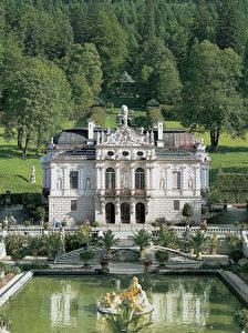 """Schloss Linderhof: Vom 10. Juni bis 16. Oktober 2011 wird hier das """"Königshäuschen"""" erstmals für Besucher geöffnet sein."""