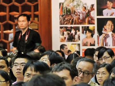 Burmesische Dissidentin Aung San Suu Kyi fordert politische Öffnung Chinas
