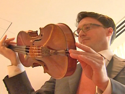 Violin Sold at Record Price for Charity