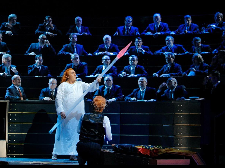 """Herheims """"Parsifal"""": Ein Bass begleitet von Bildertheater"""