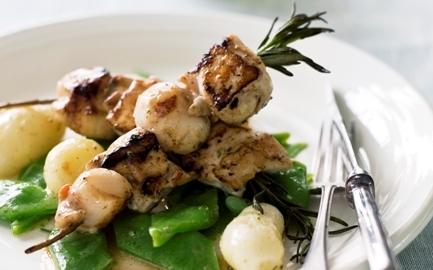 Outdoorküche Mit Kühlschrank Haltbarkeit : Kochen mit der outdoorküche