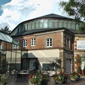 """Die """"Alte Reithalle"""" von 1888 gehört heute zum Maritim Hotel und wird zu Empfängen genutzt."""