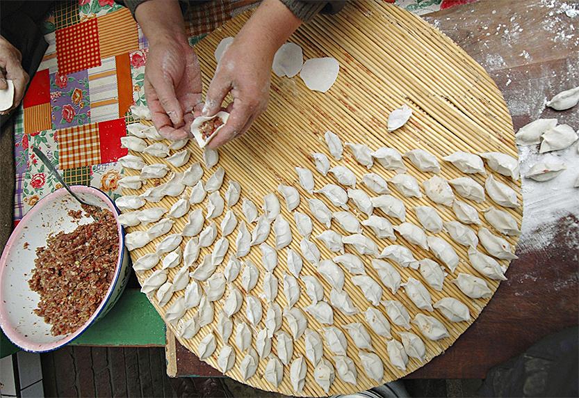 """Der """"Jiaozi""""– eine chinesische, traditionelle Leckerei für Freunde und Familie"""