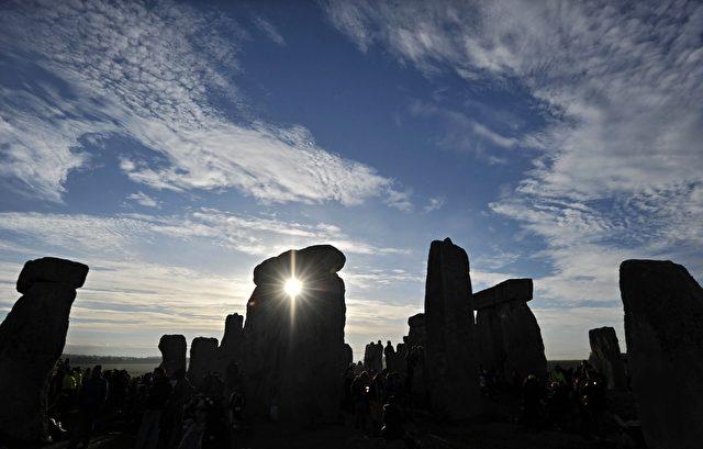 Stonehenge, der uralte Megalithen-Steinkreis im Süden von England, der vor etwa 5.000 Jahren errichtet wurde.
