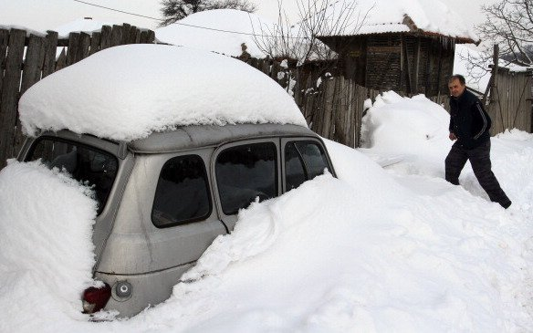 Den Roma droht bei der Abschiebung nach Serbien der Kältetod.   Foto: Sasa Djordjevic/AFP/Getty Images