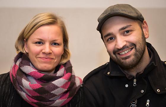 """Christine Bleks und Mustafa Tazeoglu, Gründer des Projekts """"Tausche Bildung fuer Wohnen"""" Foto: dapd/Tim Schulz"""