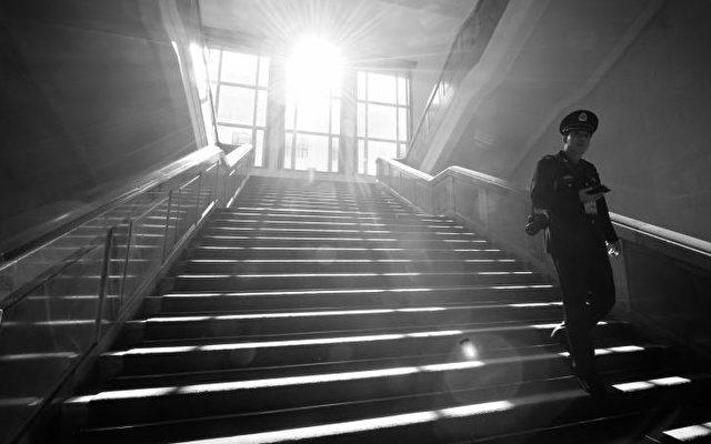 14. November im Treppenhaus der Großen Halle des Volkes.