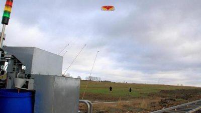 Forschung an Hochwindanlagen: Mit Lenkdrachen Strom gewinnen