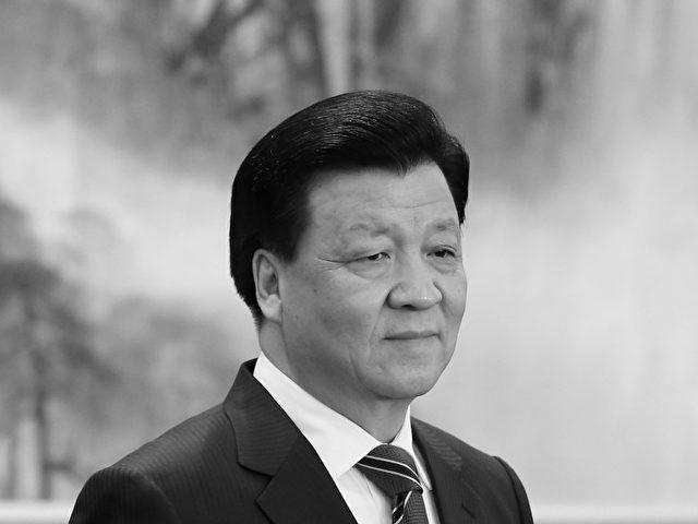 Propagandazar Liu Yunshan, Mitglied im Ständigen Ausschuss, vor der Presse am 15. November in Peking.   Foto: Feng Li/Getty Images