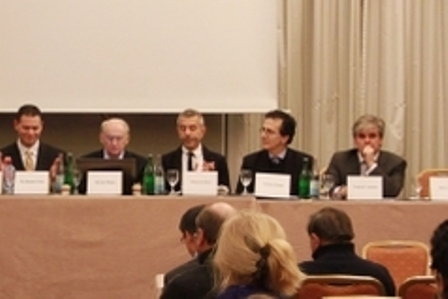 """DAFOH und """"Transnational Radical Party"""" gaben eine Pressekonferenz in Genf zum  Thema Organraub in China. Foto: Dajiyuan"""