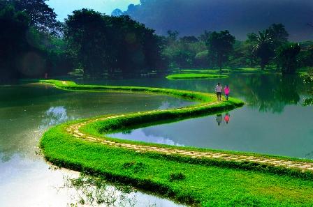 Morgendlicher Frieden (Goldmedaille in der Kategorie Landschaft, Fotograf: Chee-Eam Chua aus Malaysia) Foto: Dajiyuan