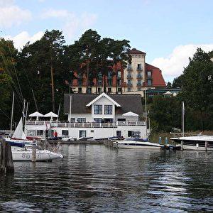 Der Scharmützelsee ist einer der größten deutschen Binnenseen. In Kooperation mit der Yacht-Akademie Axel Schmidt ein Paradies für Wassersportler.   Foto: Andreas Burkert